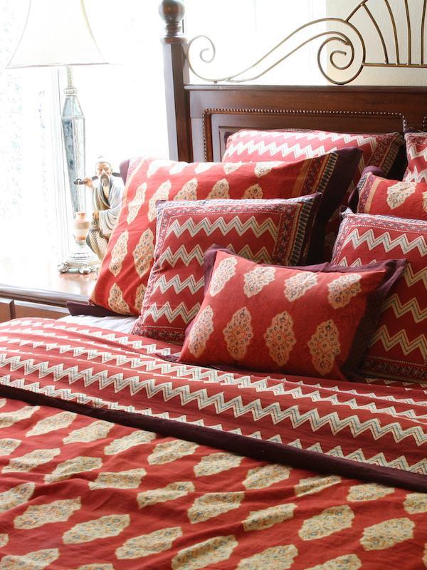 1 MAIN Saffron Marigold Ropa de cama y ropa de cama de lujo 2 créditos Saffron Marigold