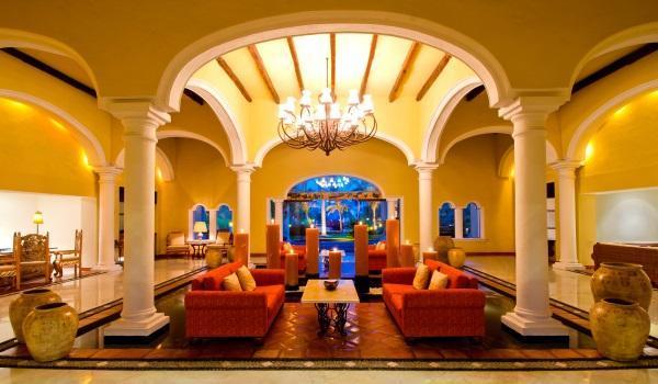 1 Lobby PRINCIPAL 1 Cortesía del Hotel Casa Velas