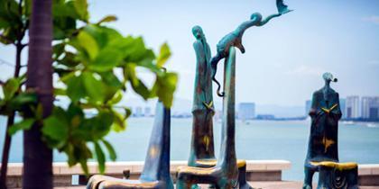 malecon escultura tourfront