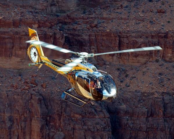 aaaaaaMAIN Cortesía de Sundance Helicopters sm