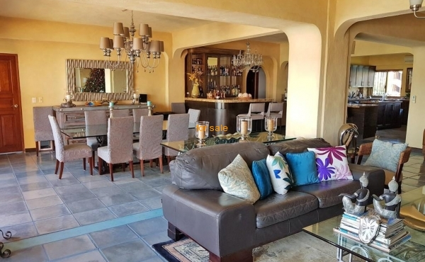 2207 living-room