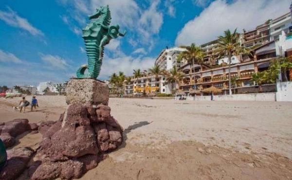 Vallarta Shores Condo # 1 Playa Los Muertos
