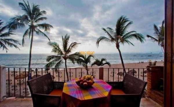 Vallarta Shores Condo # 5 Playa Los Muertos
