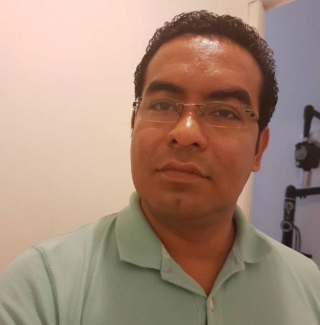 Dr Víctor Espinosa